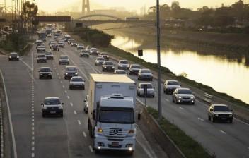 SP tem circulação de veículos de carga em período integral