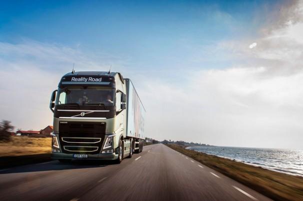 Empresas lançam guia com recomendação a caminhoneiros