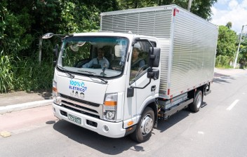 Conheça o primeiro caminhão elétrico à venda no Brasil