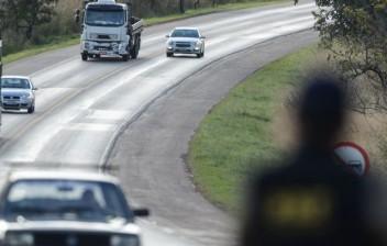 Dicas de convivência entre caminhoneiros e motoristas