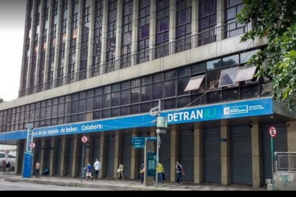 Detran-RJ revê suspensões de carteiras de habilitação