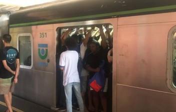 Usuário quebra freio de trem e atrasa circulação de Metrô