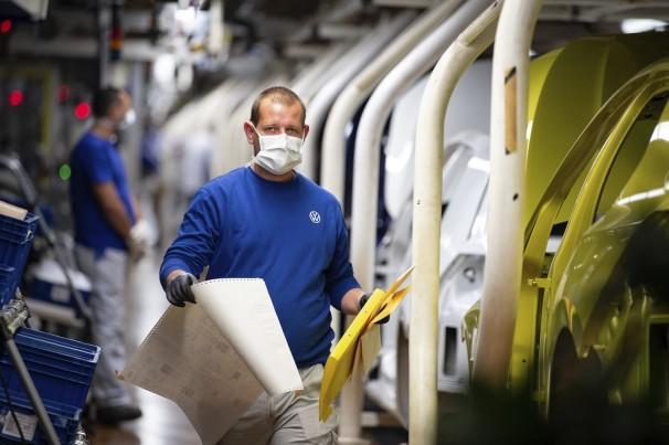 Fiat reinicia atividades na Itália