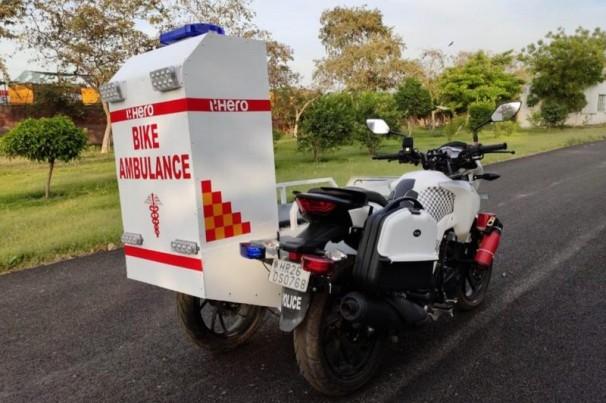 Indianos criam 'motolância' no combate a pandemia