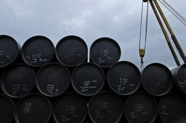 Petróleo para entrega em junho continua em queda