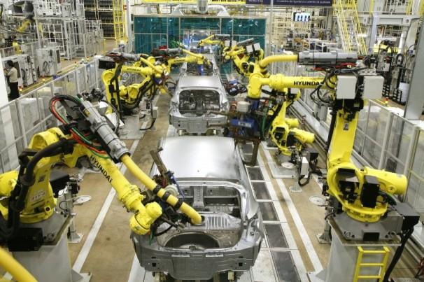 Como as fábricas automobilísticas voltarão a produzir