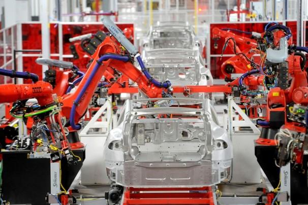 Tesla vai cortar salários de funcionários nos EUA