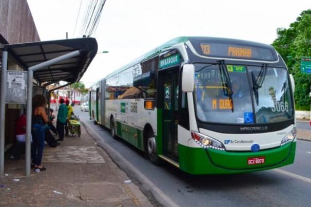 Só trabalhadores essenciais usará transporte público