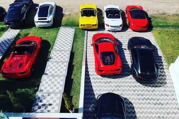Empresa oferece venda de carros de luxo 100% online