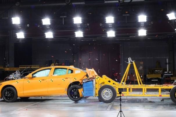 Volvo limita velocidade máxima de seus carros novos