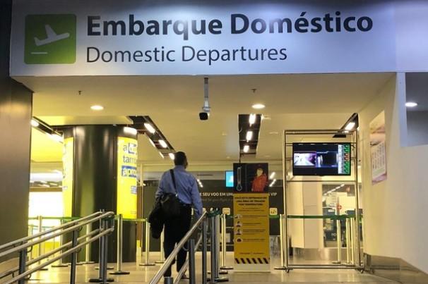 Governo reabre fronteiras para estrangeiros em voos