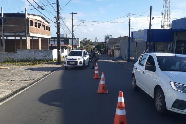 Barreiras também irão averiguar infrações de trânsito