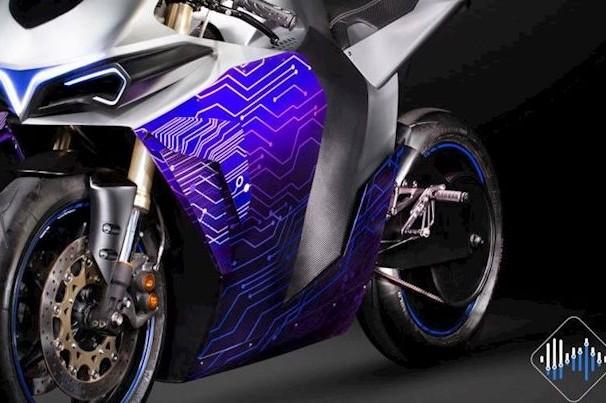 Moto elétrica simula sons de motos do passado
