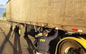 PRF recupera carreta roubada há 11 anos