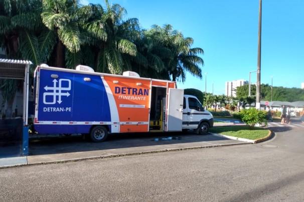 Detran-PE inaugura serviço drive-thru em Guararapes