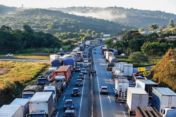 ANTB prevê greve dos caminhoneiros em fevereiro