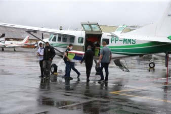 Avião com vacinas entra em rota de colisão com jato