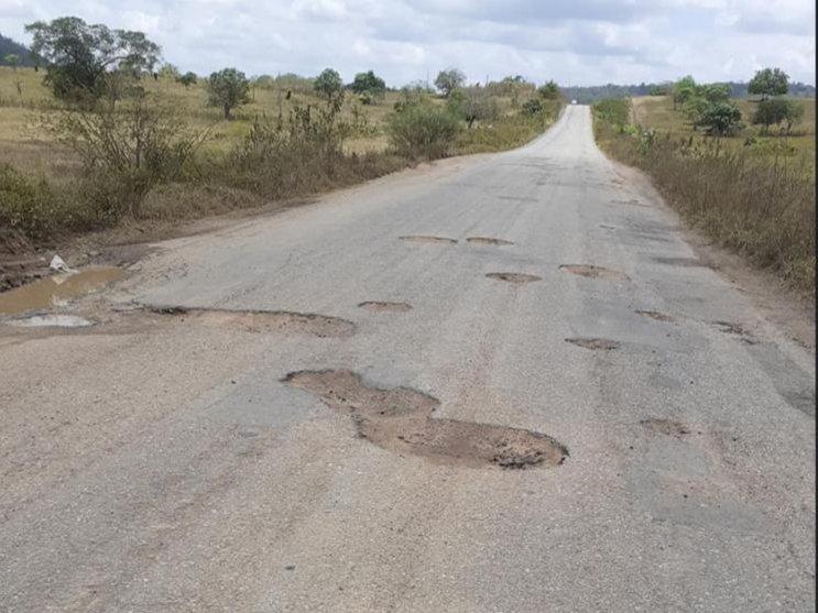 Estrada de quase R$ 5 milhões está intransitável depois de 2 anos