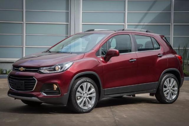 Chevrolet comunica recall de 170 mil unidades de Sonic, Cruze e Tracker por 'airbags mortais'