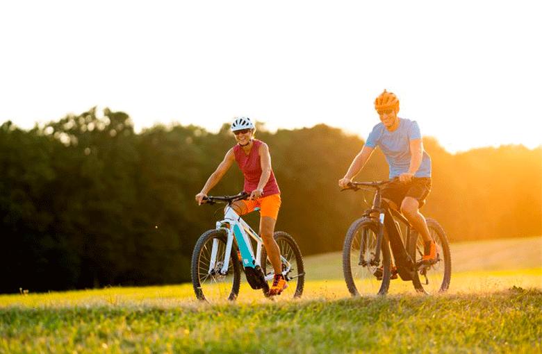 Como os níveis de condicionamento físico dos E-Bikers se comparam àqueles que andam regularmente?