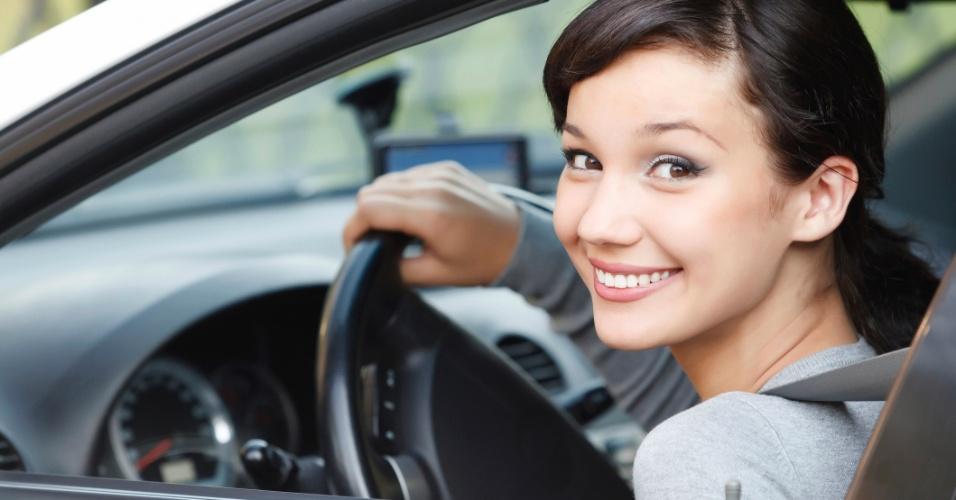 Teste realizado em mulheres: ouvir musical instrumental reduz estresse no trânsito