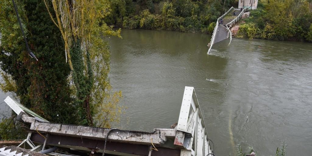 Queda de ponte foi provocada por caminhão com excesso de peso