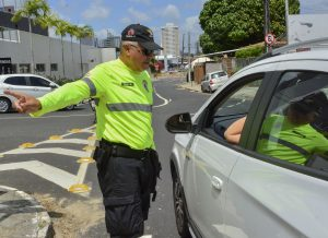 Semob bloqueia ruas e altera trânsito para Réveillon em João Pessoa