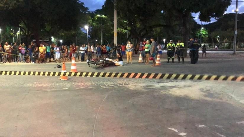 Adolescente sem CNH em motocicleta morre em colisão com ônibus no Ceará