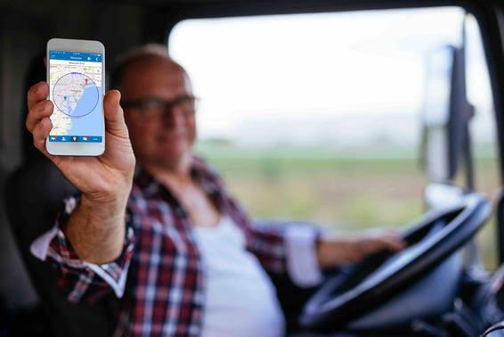 Novo aplicativo é lançado no Brasil para ajudar caminhoneiros nas estradas