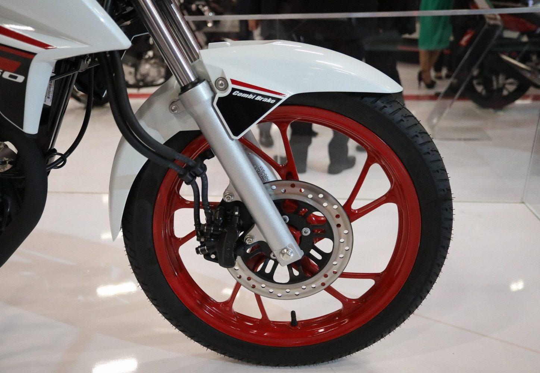 A versão mais cara da moto mais vendida no Brasil