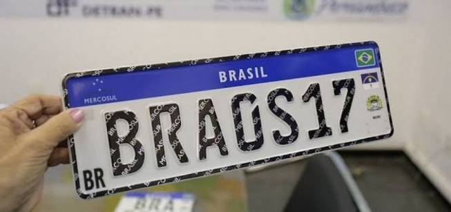 Placa com padrão Mercosul começa a ser adotada no Ceará em fevereiro