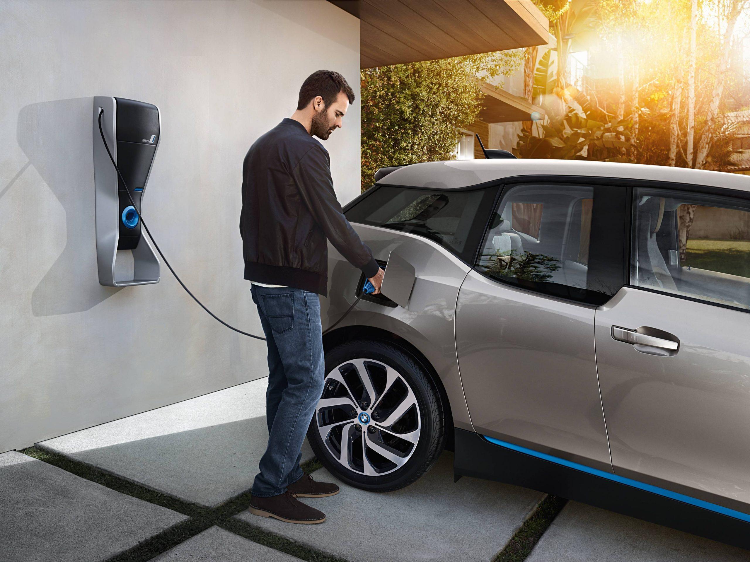 Pesquisa diz que baterias de carros elétricos viciam como a de celular