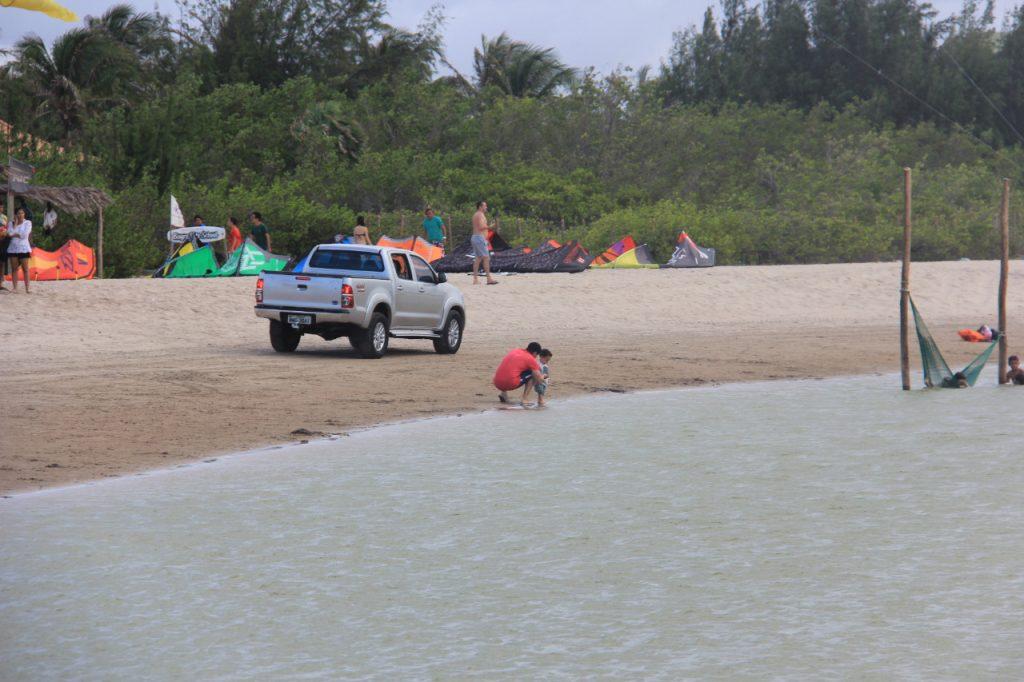 Proibição de circulação de veículos em praias litorâneas