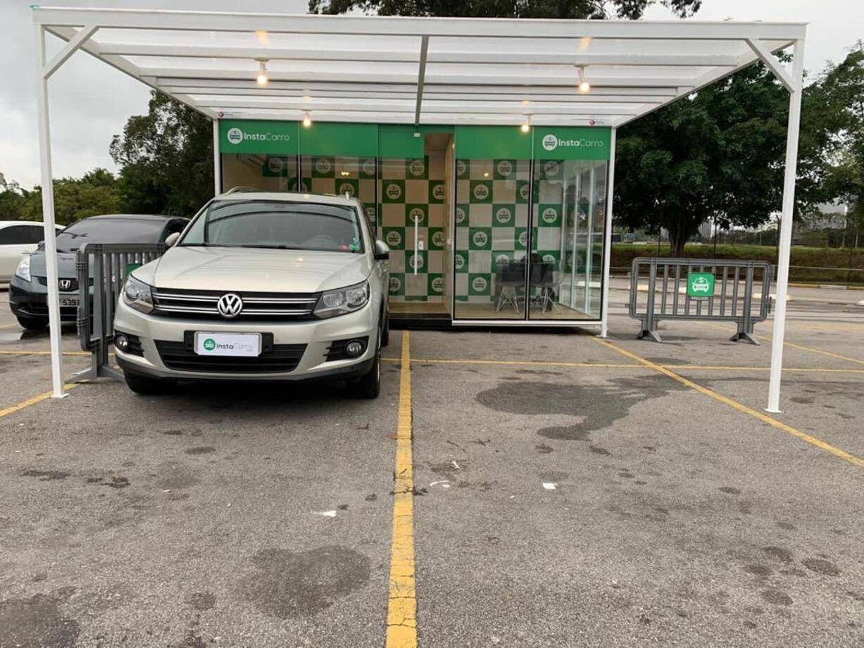 Startup que vende carros em 1h quer crescer no Brasil com lojas container