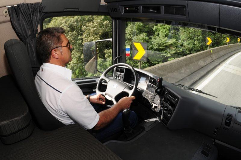 Proposta exige curso de formação específica para o motorista profissional