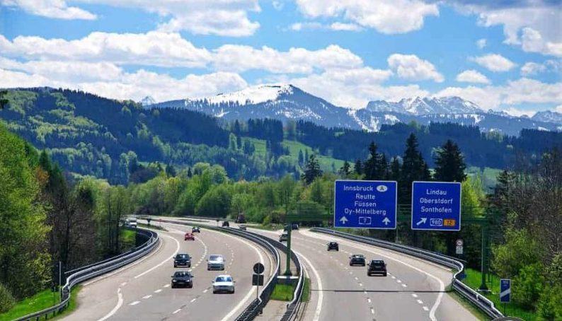 Alemanha tem rodovias sem limite de velocidade, mas trânsito mata 4 vezes menos do que no Brasil