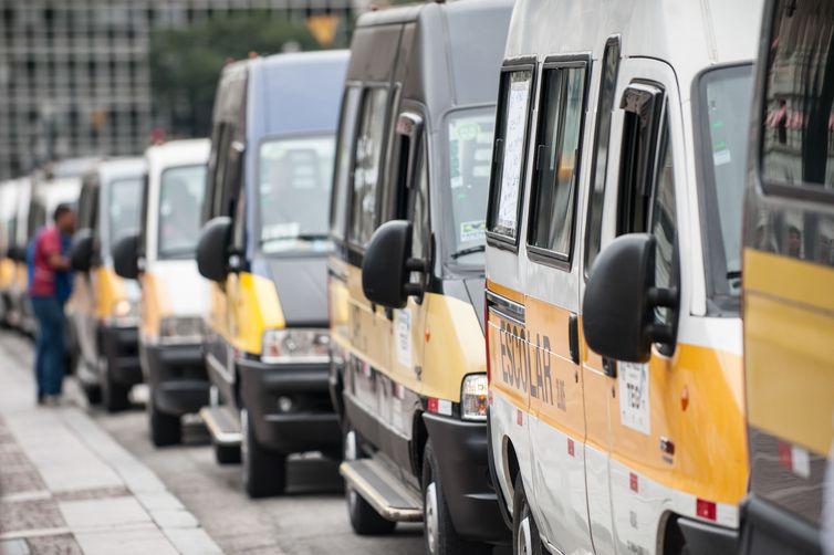 Detran reprova 60% dos veículos escolares durante vistoria