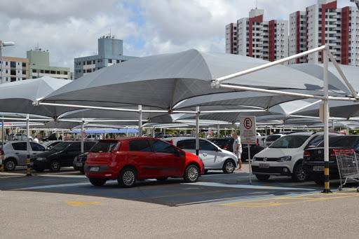 Supermercado Extra deverá pagar mais de R$ 15 mil a cliente que teve placas do carro furtadas em estacionamento