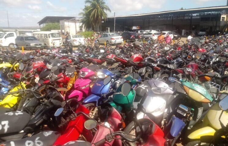Detran vai leiloar 440 lotes de veículos; visitação está aberta