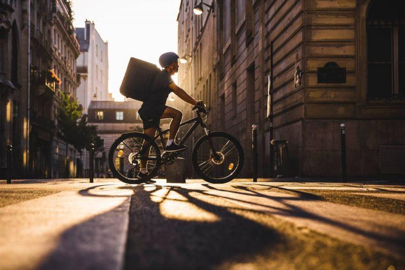 Oficina de bikes dobra consertos durante pandemia