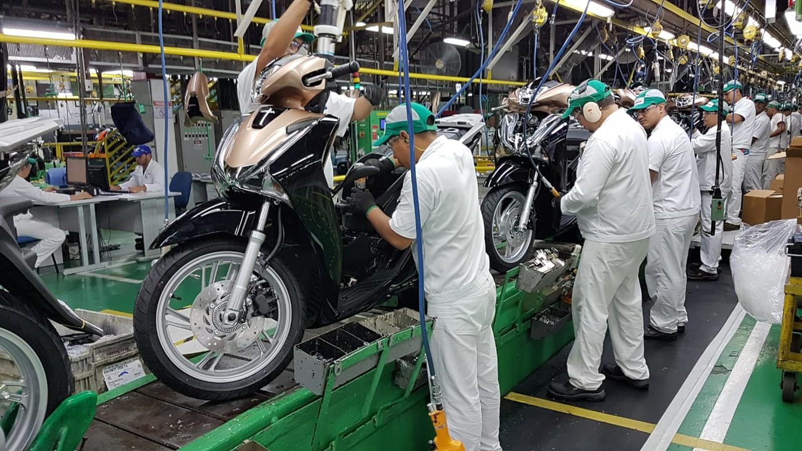 Produção de motos cai 98% em abril