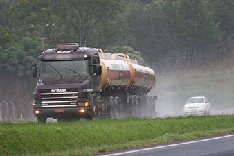 Impacto da covid-19 no transporte de cargas é alto