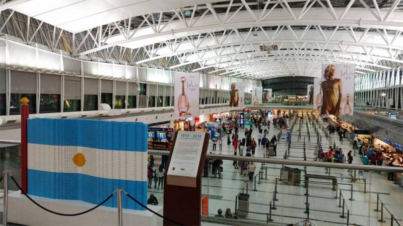 Argentina proíbe venda de passagens aéreas