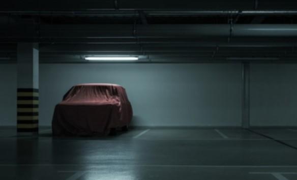 Metade das casas brasileiras tem um carro na garagem
