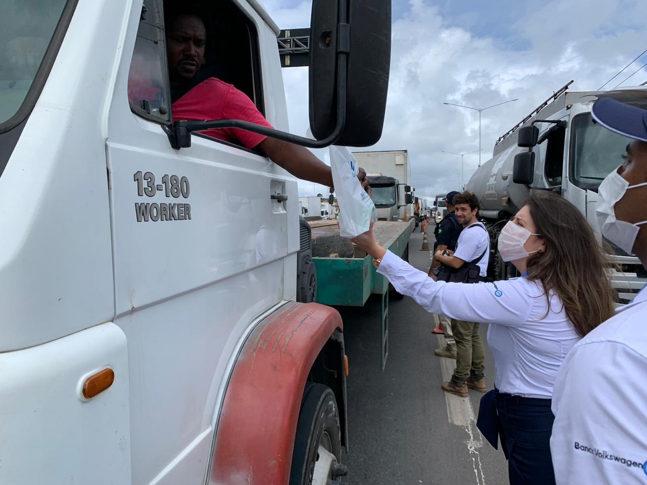 VW Caminhões e Ônibus promove ação para caminhoneiros