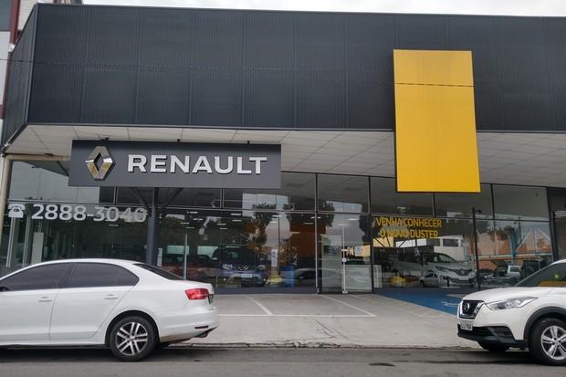 França considera empréstimo de 5 bi para Renault