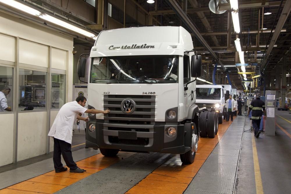 Volkswagen e Scania retomam a produção de caminhões