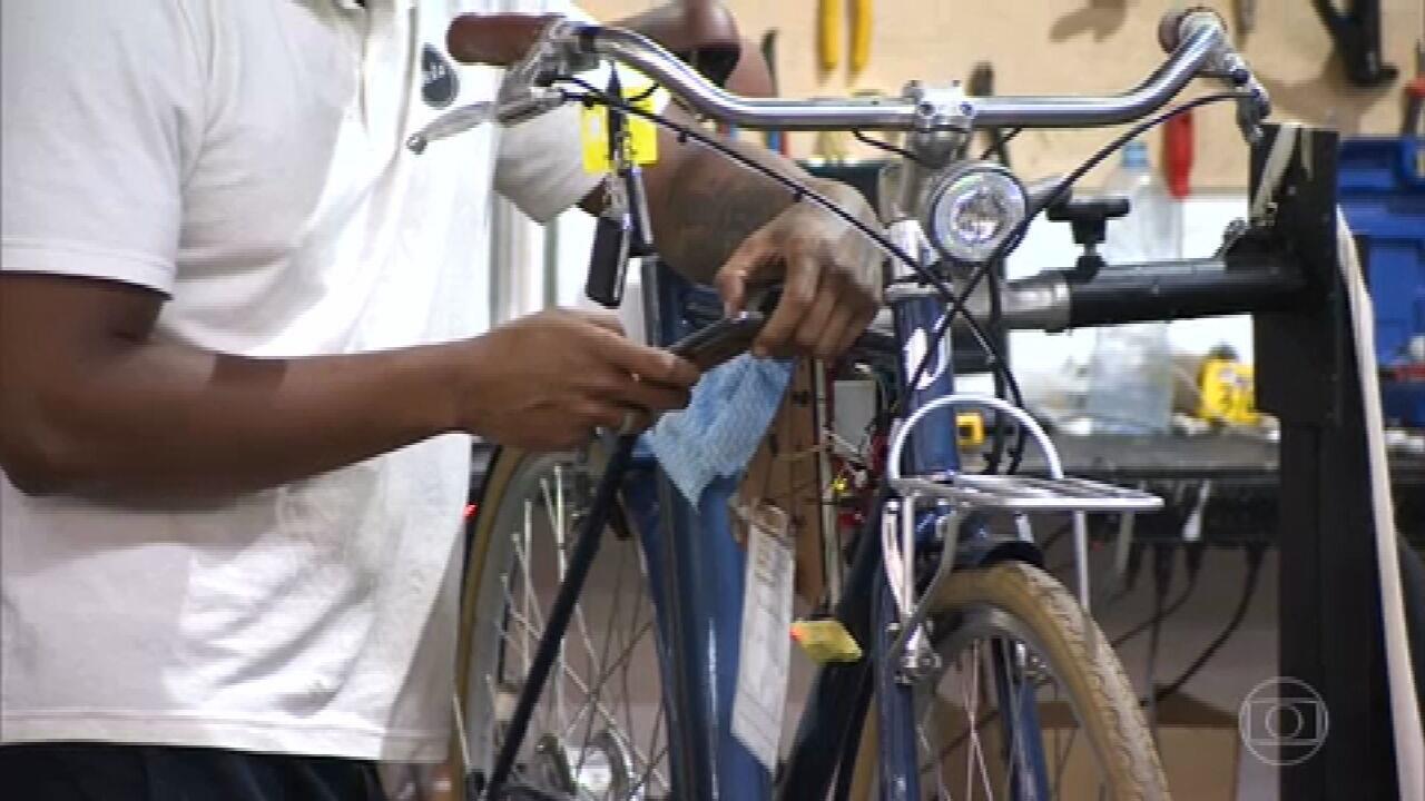 Bicicleta elétrica pode ser controlada pelo celular